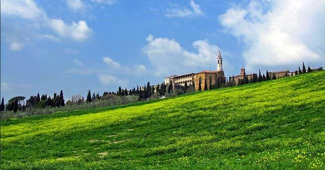 Pienza, paesaggio intorno al Duomo.
