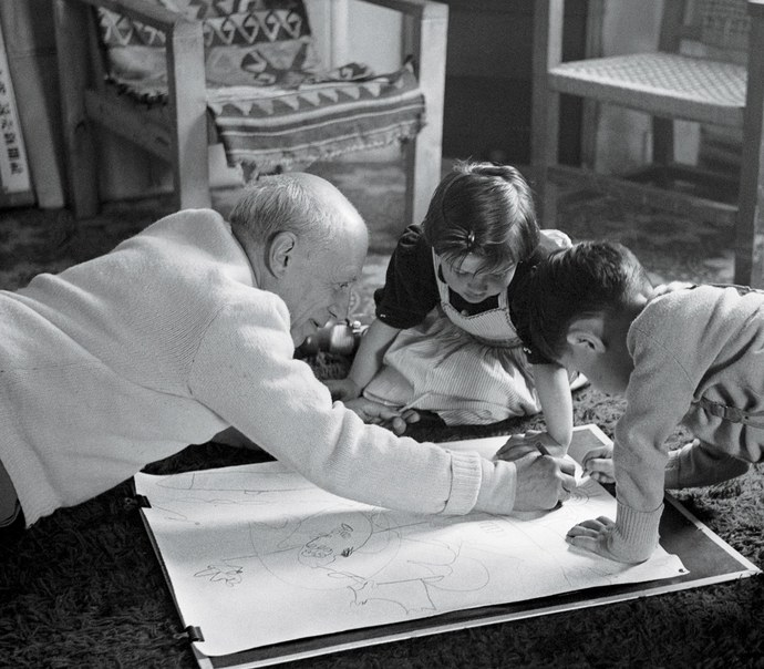 Picasso drawing with Paloma and Claude at Villa la Galloise, 1953. By Edward Quinn/© EdwardQuinn.com.